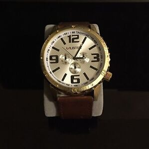 Gold unlisted watch