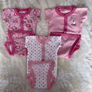 Newborn clothes / vêtements nouveaux nés