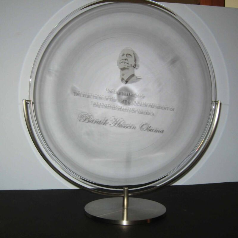 NEW in BOX STEUBEN glass PRESIDENT BARACK OBAMA COMMEMORATIVE LTD ED ornamental!