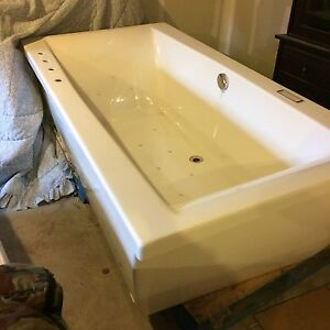 Neptune freestanding tub
