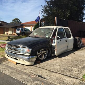 2002 TOYOTA HILUX SPACECAB BODIEDROPPED Engadine Sutherland Area Preview
