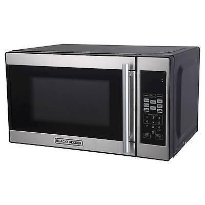 BLACK+DECKER™ ® 0.7cu. ft. 700 Watt Microwave Oven Black EM720CPN-P
