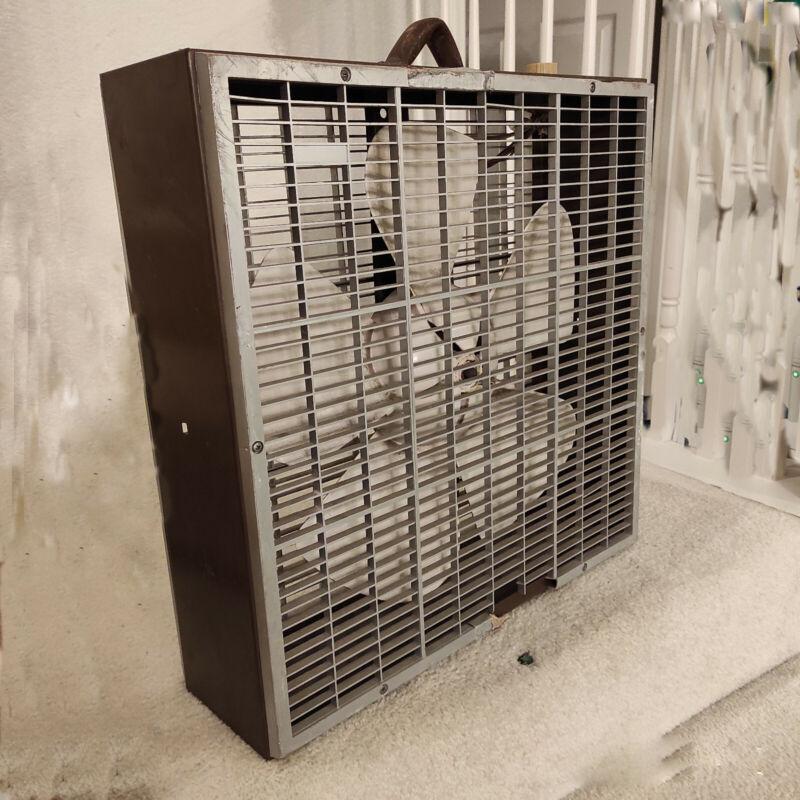 Vintage Box Fan: Air King, model PL20P, 5-blade, big hub fan - works great!