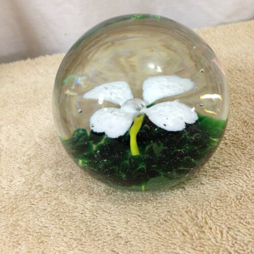 1971 St Clair Flower Paperweight Perfect