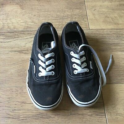 Vans Black & White Authentic UK 3