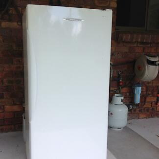 Freezer 310 lt Upright  very very good condition