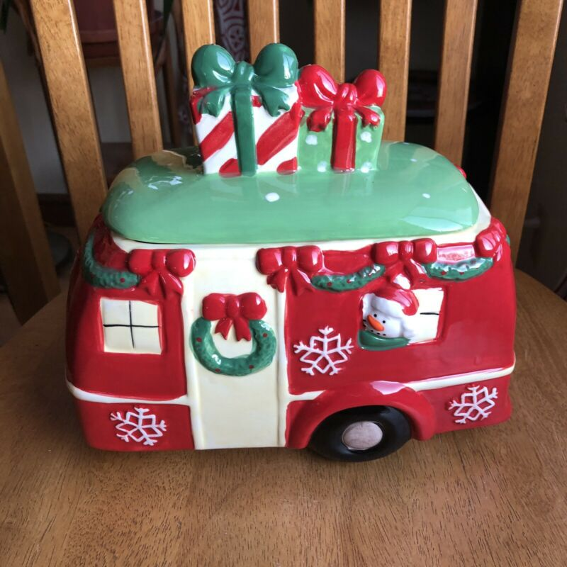 Mug Shotz Ceramic Red Retro Christmas Holiday Camper Cookie Jar NWT