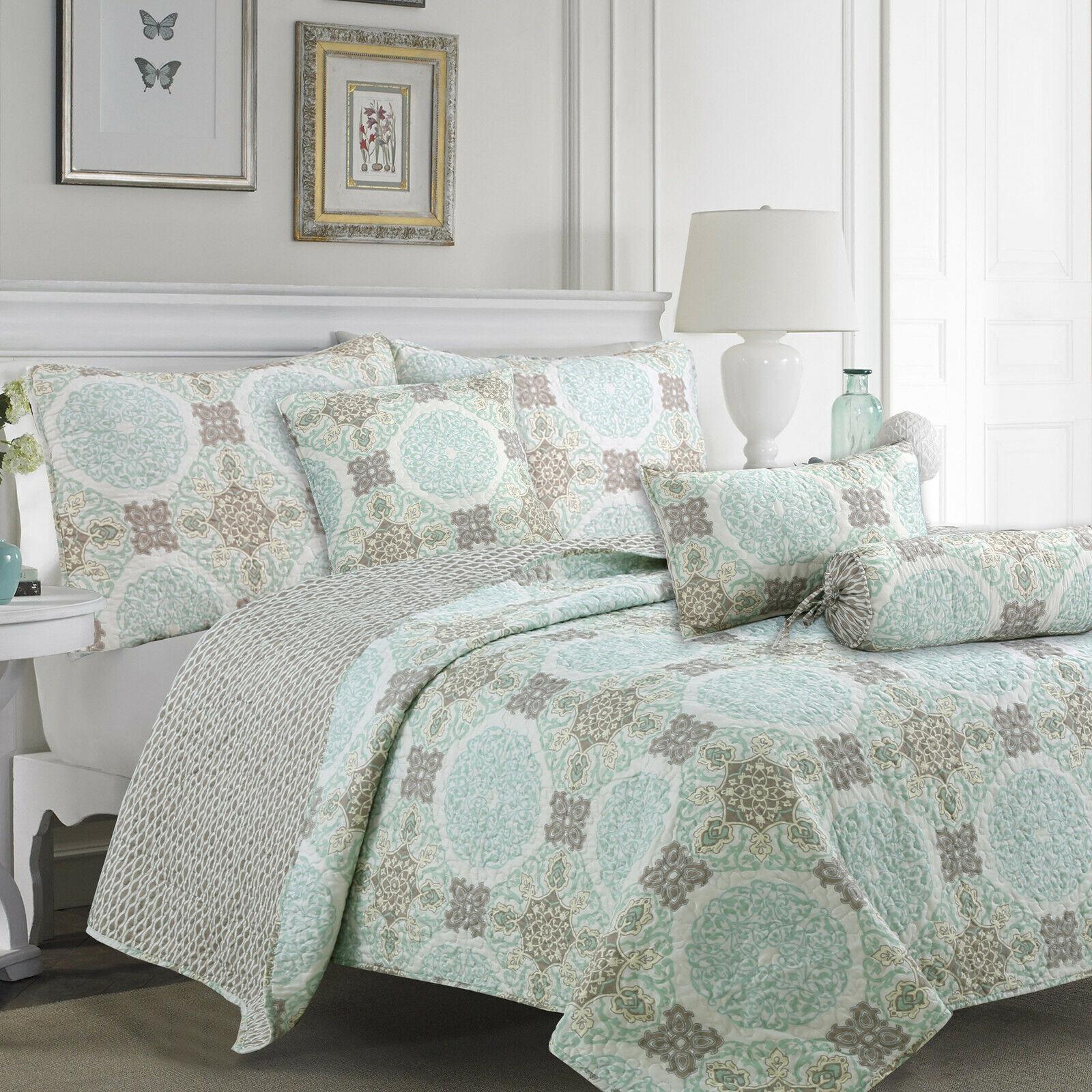 light green damask 3 piece reversible quilt