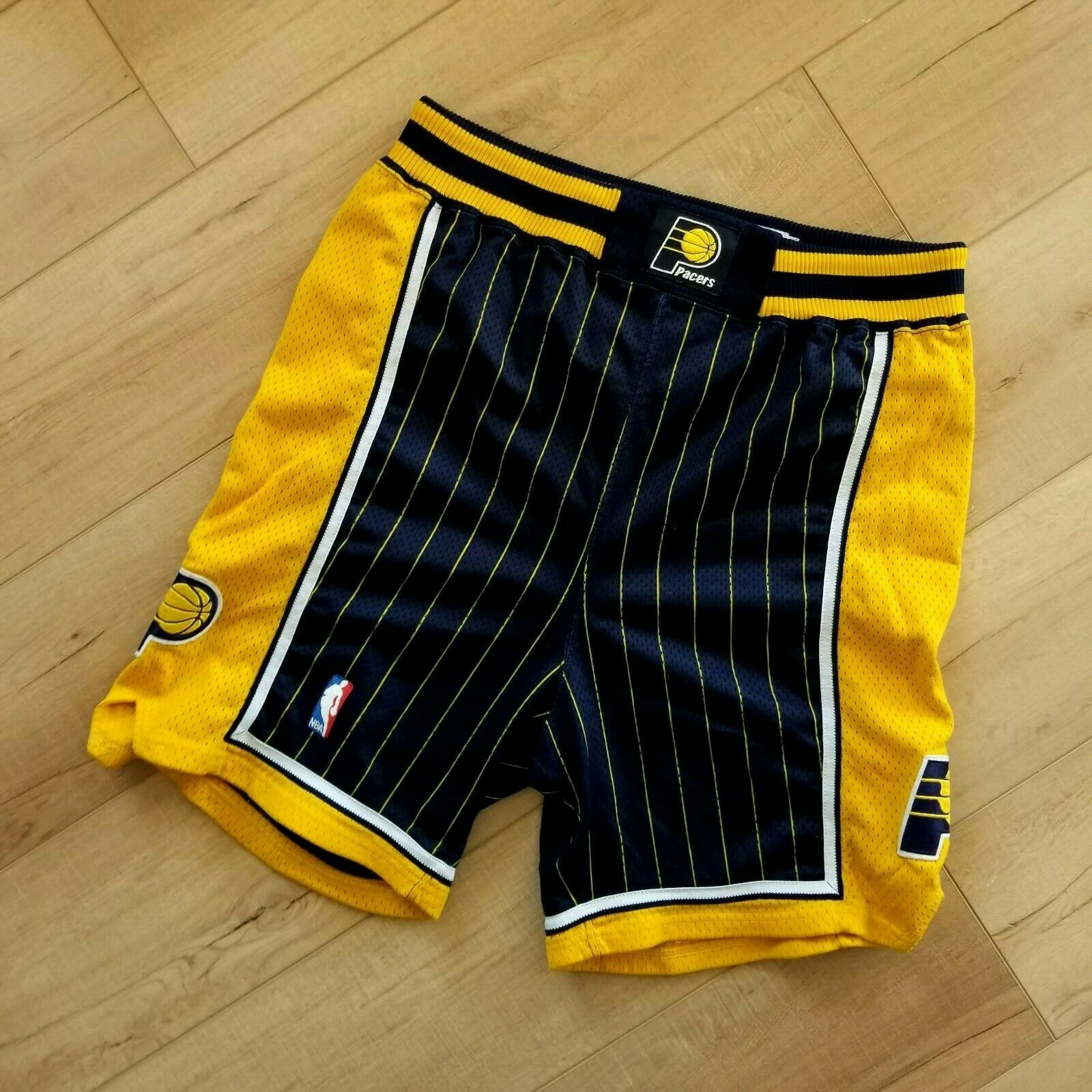 100% Authentic Dale Davis Pacers Vintage Champion Game Worn