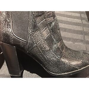 Brand new The Wishbone Collection women's ankle boots