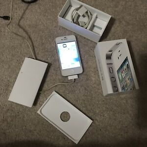 iPhone 4s - Unlocked - Excellent Condition