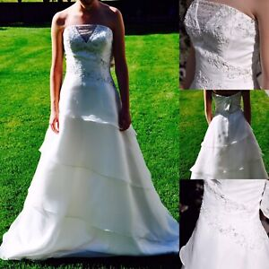 Gorgeous Wedding Gown- REDUCED to $250- 75% off