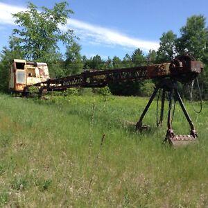Model 358 Crawler Mounted Shovel Crane w/ bucket. $1500.00 obo