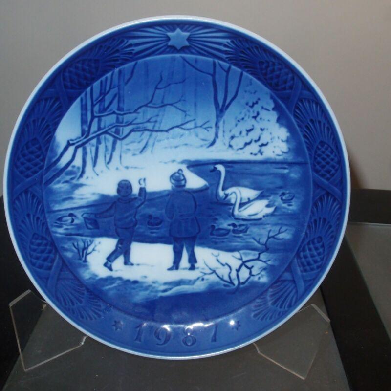 Royal Copenhagen Christmas Plate 1987