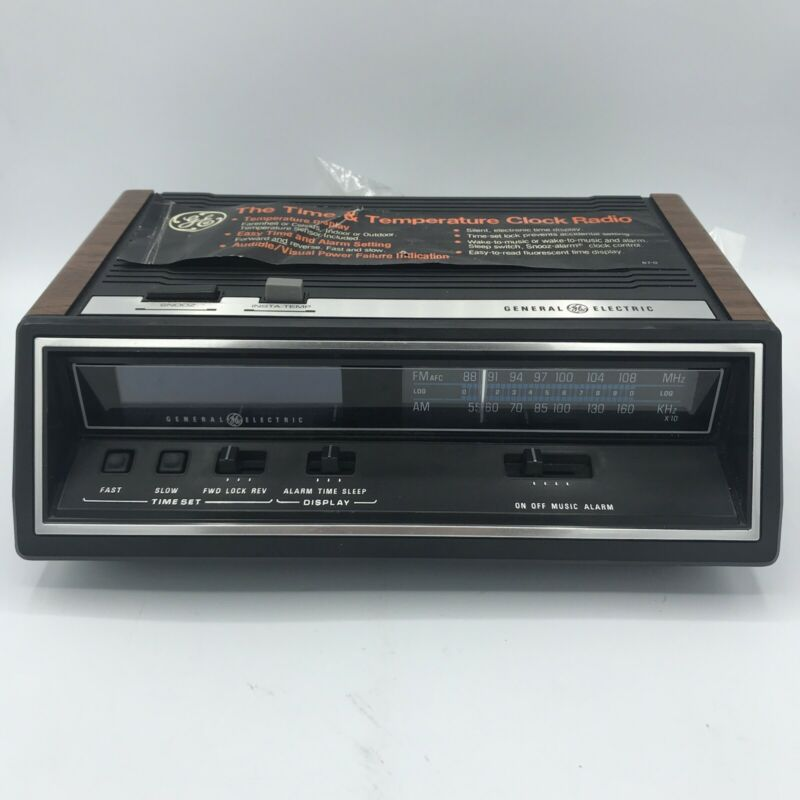 Vintage GE General Electric FM/AM Temperature Digital Clock Radio 7-4667A Alarm