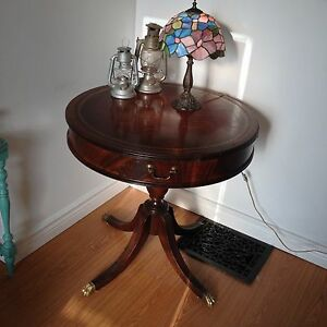 Antique Oak Round / Drum Table