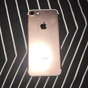 Iphone 7 rose gold 256GB cracked screen Pimpama Gold Coast North Preview