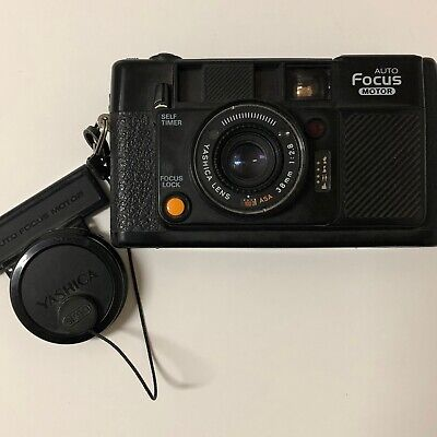 Yashica Full Automatic Auto Focus Motor 38mm 1: 2.8 ASA Point and Shoot Camera
