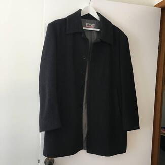 Mans 3/4 Coat