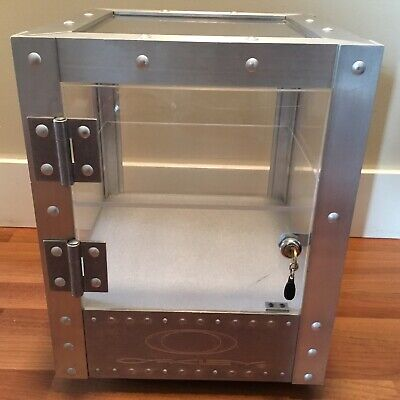 Oakley X Metal Display Case Cabinet Countertops For Sunglasses