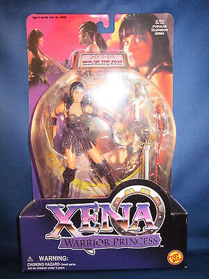 Xena Warrior Princess Xena Sins Of The Past Sword Drawing Action Brown Outfit - Xena Warrior Princess Outfit