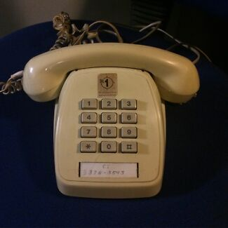 Vintage telephone  Moggill Brisbane North West Preview