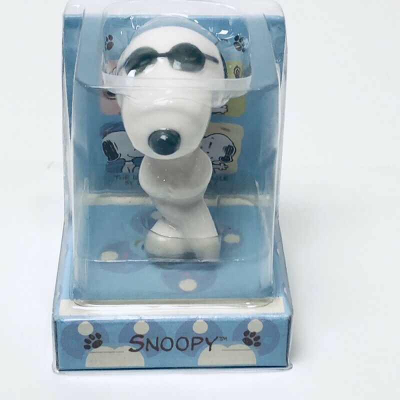 "Peanuts Snoopy "" Joe Cool"" Sun Hing Porcelain Musician Series Figurine"