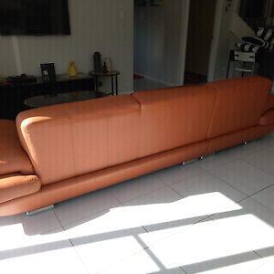 100% pure leather sofa L shape**GREAT COUNDITION** from Domain Macquarie Links Campbelltown Area Preview