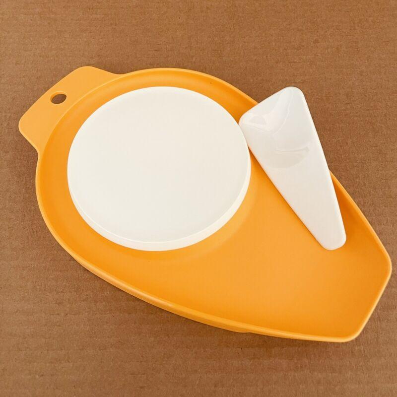 Tupperware Cutting Board Chop & Pour Mini w/Scraper Orange #1432 New