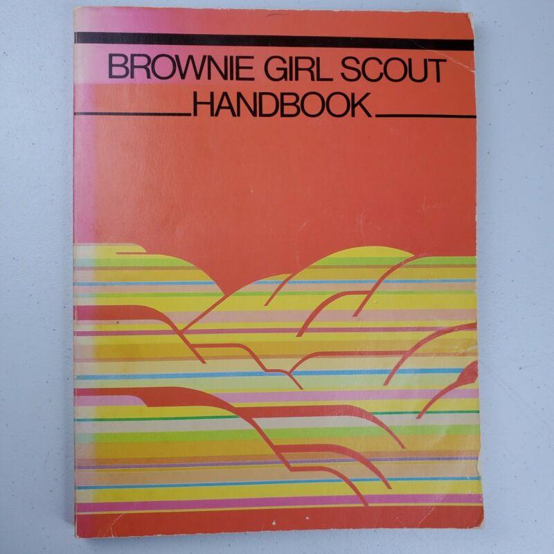 Vintage 1986 Brownie Girl Scout Handbook