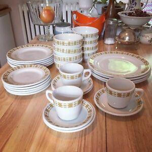 Set vintage vaisselle de resto 90$