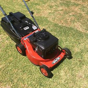 how to change mower blades rover