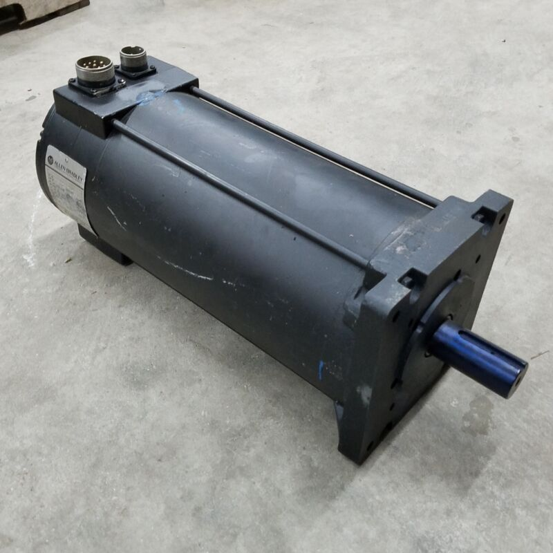 Allen Bradley 1326AB-C2E-11-A7 Servo Motor, 3000Rpm - REFURBISHED