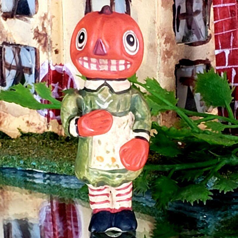 "Vintage Poliwoggs ""Penny Sue"" Pumpkin Gal 1.75"" Miniature HALLOWEEN Folk Art NOS"