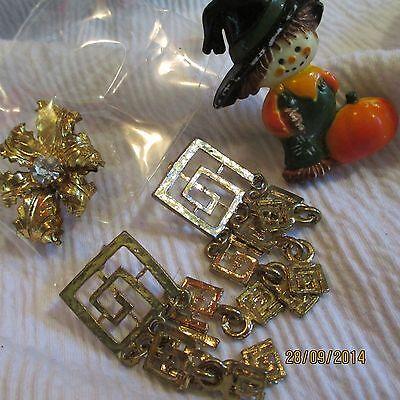 Vintage Plastic Halloween Pin Gold-tone Dangle ERs Rhinestone Brooch Jewelry - Halloween Rhinestone Jewelry