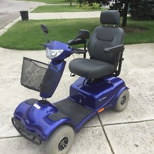 INVACARE Auruga mobility scooter.