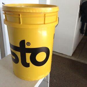 STO stucco pail colour sandstone #93860