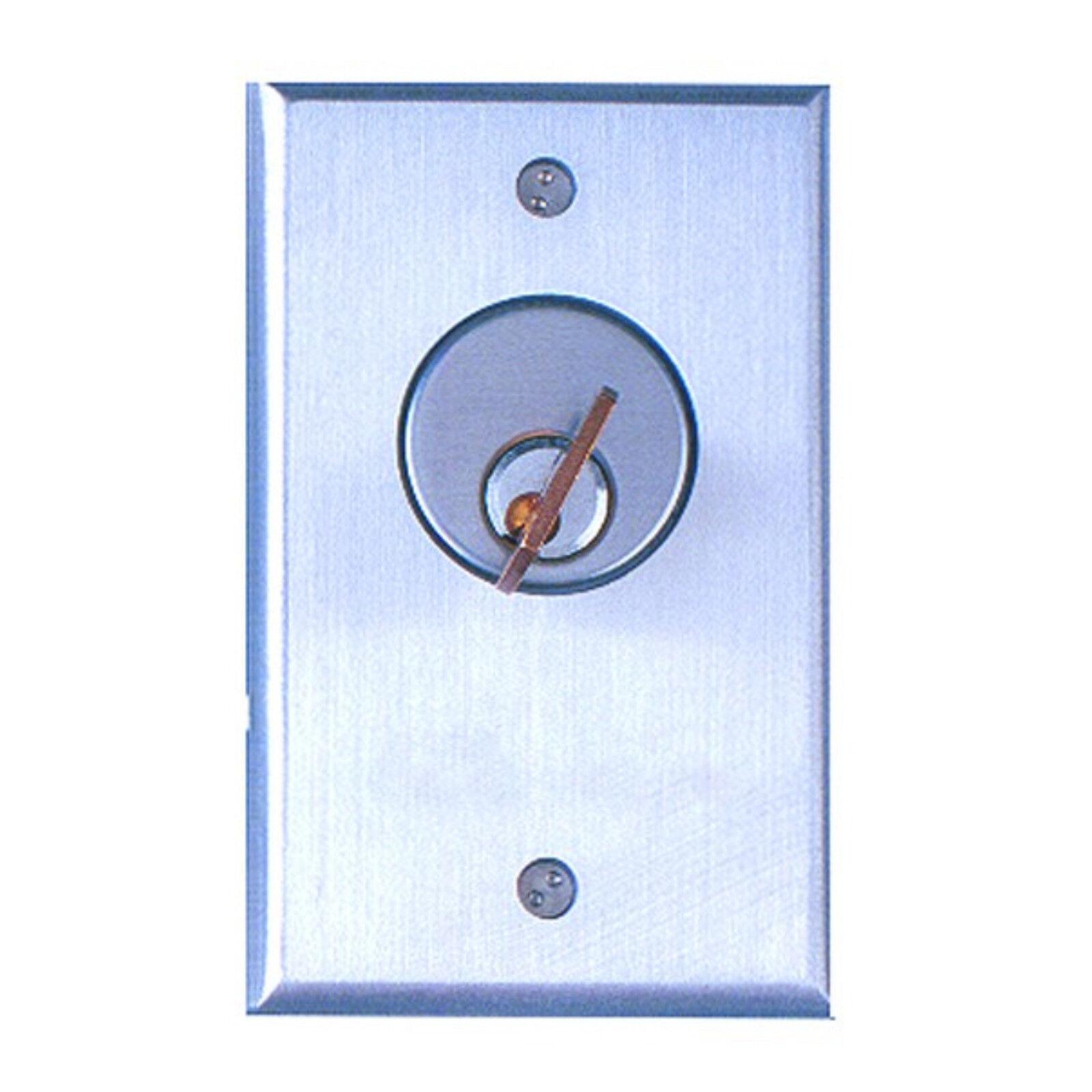 CAMDEN DOOR CONTROLS U.S CM-1110 KEY SWITCH SPST MOM  SNG GNG SPST