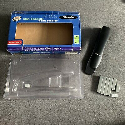 Swingline High-capacity Desk Stapler 60-sheet Black Swi77701 With Staples