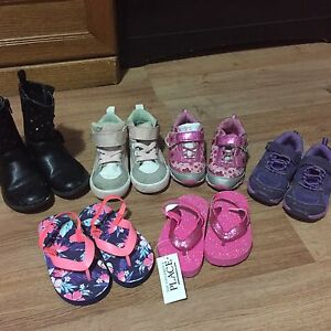 Gently used baby/toddler girls shoes!! **SIZE 6 - 6.5**