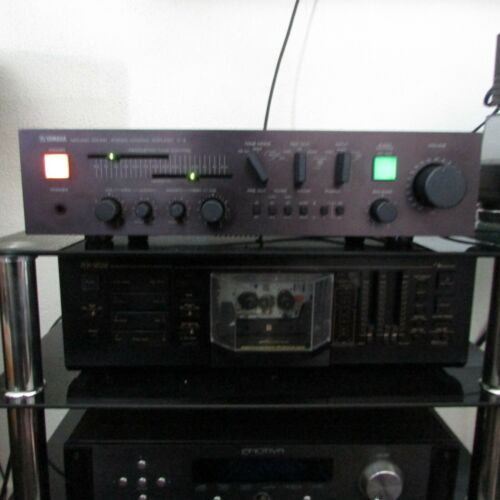YAMAHA C-6 CONTROL PREAMPLIFIER EXCELLENT CONDITION FULLY FUNCTIONAL