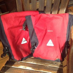 Axiom panniers for cycle touring
