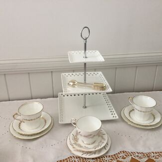 Maxwell Williams Three Tier Cake Stand