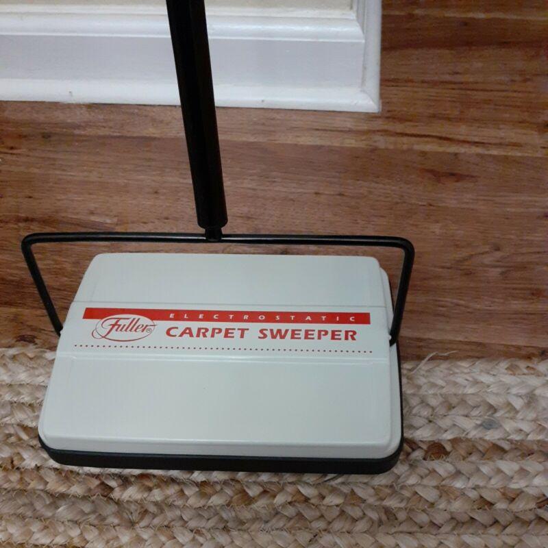 """VTG Fuller Brush 9x6"""" Electrostatic Carpet Sweeper Clean"""