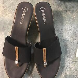 Gorgeous Anna sandle (size 10) Garbutt Townsville City Preview