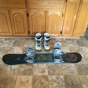 Women's Ltd snowboard and Burton snowboard boots