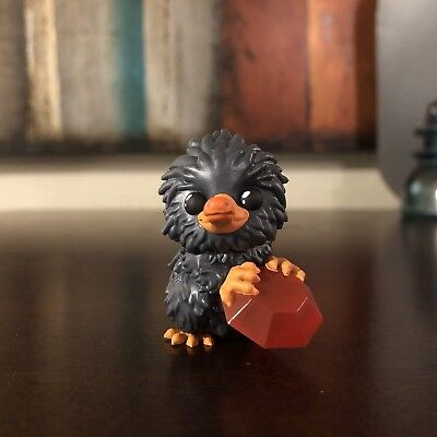 Funko Beasts Crimes Of Grindelwald Mystery Minis 1/24 Niffler Red Gem Figure