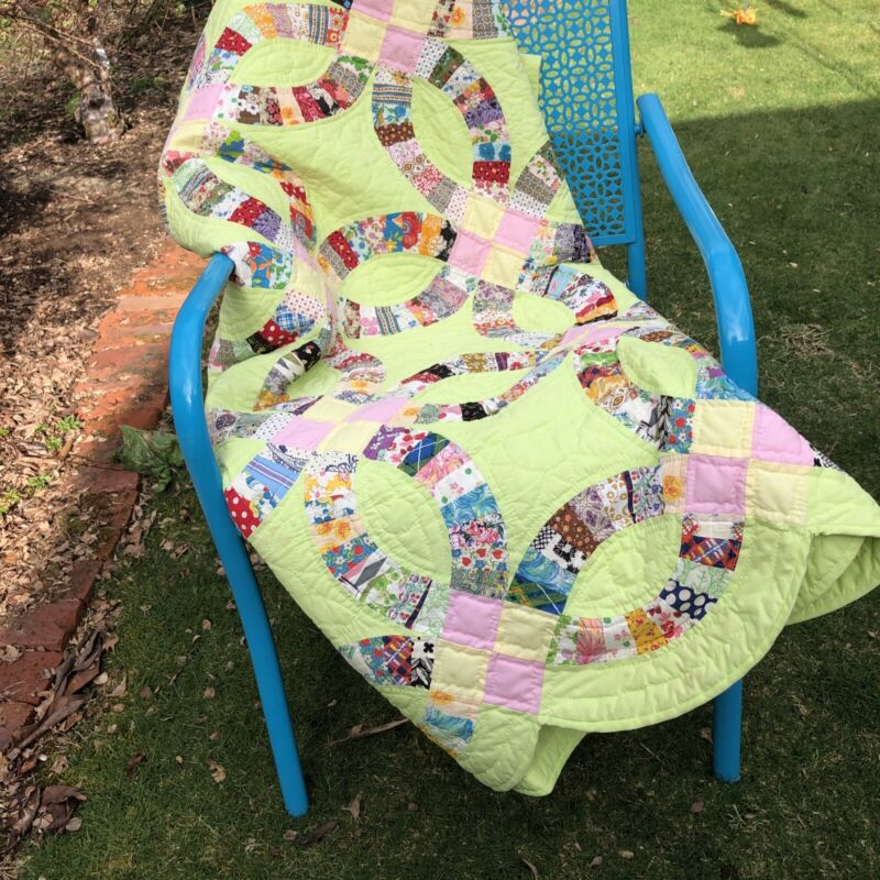 """Vintage Hand Stitched Bright Green Multi-Colored  Wedding Ring Quilt """"82 X 93"""""""