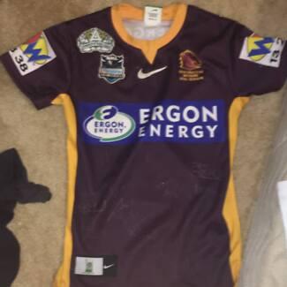 Brisbane broncos 2007 jersey signed