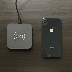 **Fast-charge** Wireless Charger (WORKS WITH IPHONE X)